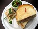 カフェグローブサーモンと野菜のサンドイッチ