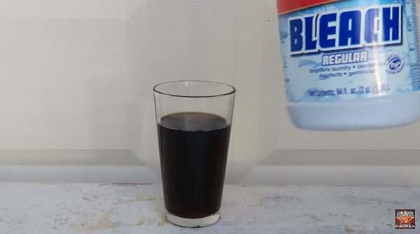黒いコーラが
