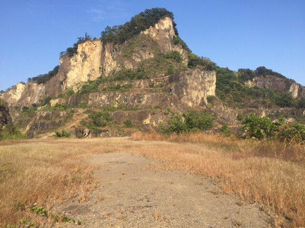見慣れた岩山