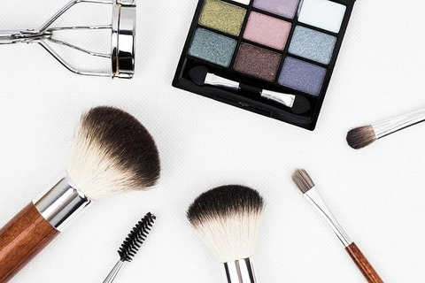 makeup-brush-1761648_640