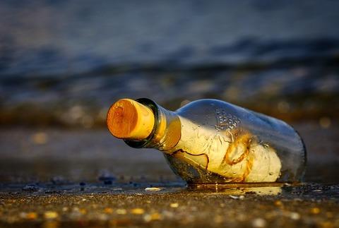 message-in-a-bottle-3437294_640