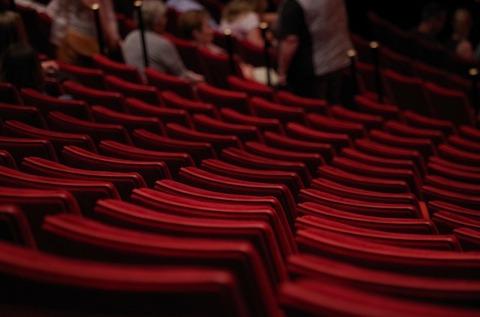 theater-1477670_640