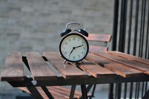alarm-clock-1842652_640
