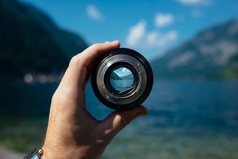 lens-1209823_640