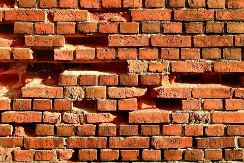 brick-old-3652796_640