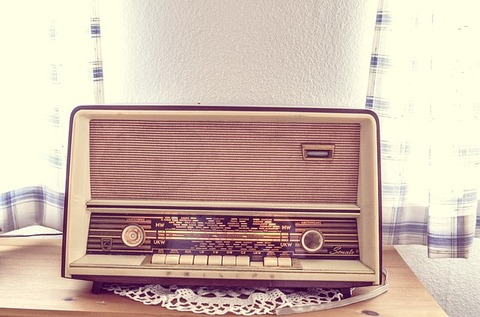 サンドイッチ マン 病院 ラジオ