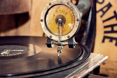 gramophone-5168549_640