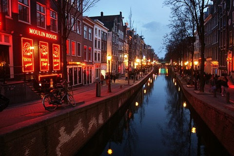 red-light-district-3292225_640