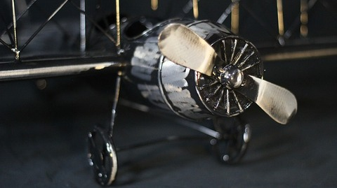 biplane-454942_640