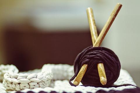 crocheting-1479217_640