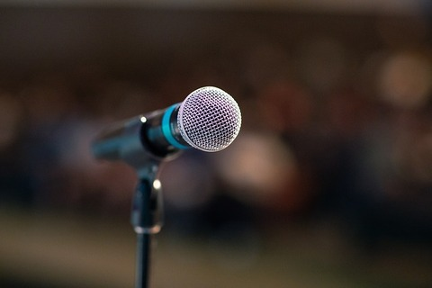 public-speaking-3926344_640