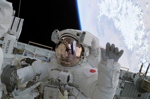 astronaut-67710_640