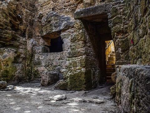 st-solomoni-catacomb-2313223_640