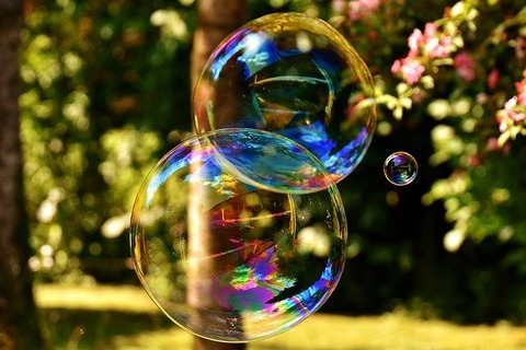 soap-bubble-2403673_640