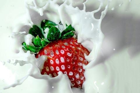 strawberry-1882400_640