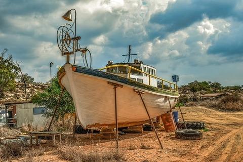 fishing-boat-3842038_640