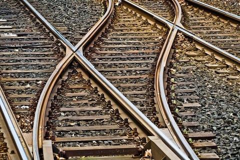 rails-3309912_640 (1)