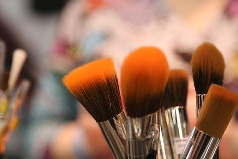 brushes-2224005_640