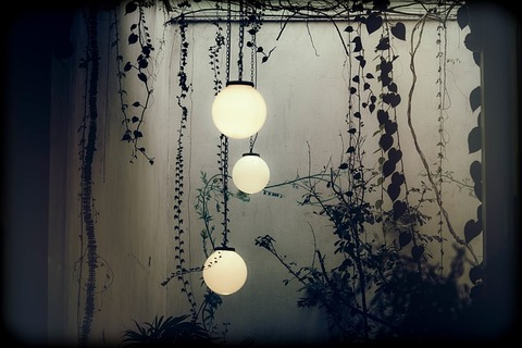 lamps-918495_640