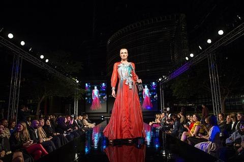 fashion-show-1746579_640
