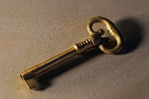 key-3083811_640