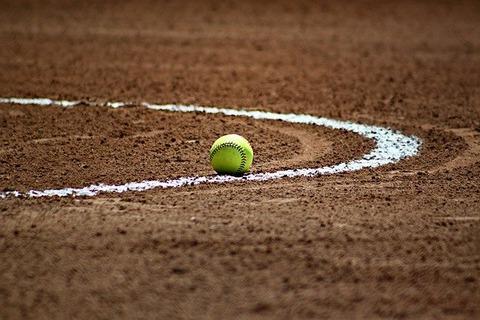 softball-372979_640