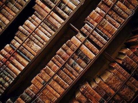 books-1866844_640