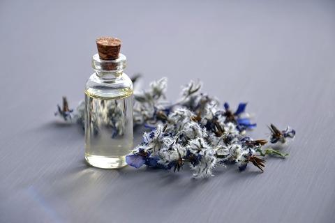 cosmetic-oil-3164684_640