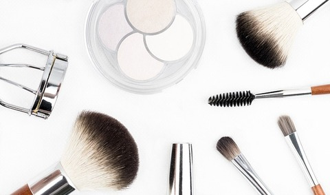 makeup-brush-1768790_640