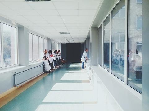 doctors-2607295_640