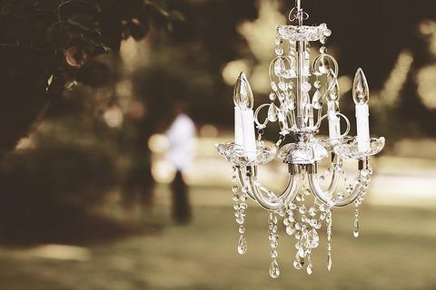 chandelier-1082182_640