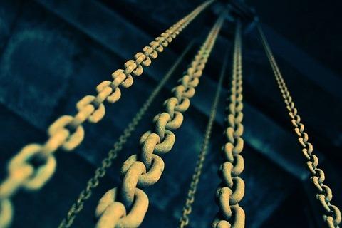 chains-919058_640