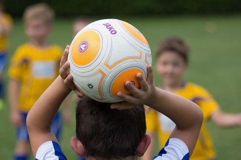 football-2911183_640