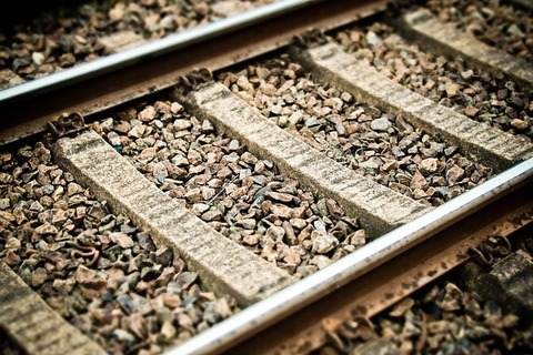 track-3849999_640