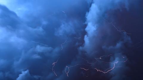 thunderstorm-3430471_640