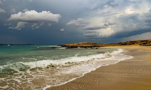 beach-3973355_640