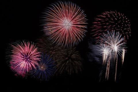 fireworks-879461_640