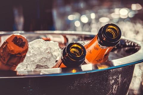 champagne-3515140_640