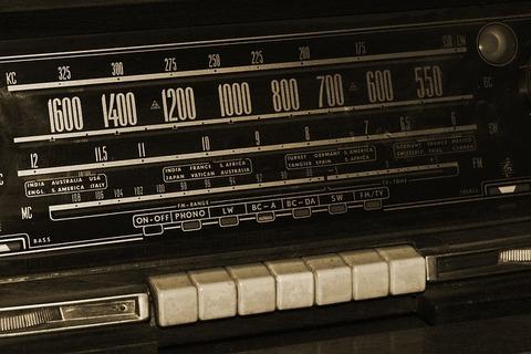 radio-1594819_640