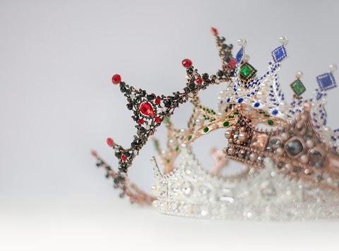 crowns-4859824_640
