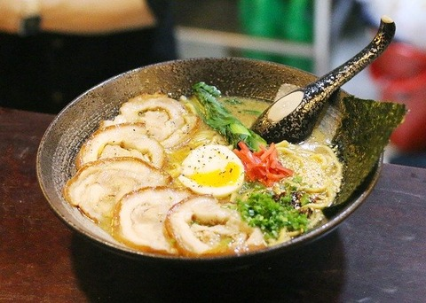 bars-ramen-in-saigon-3227779_640