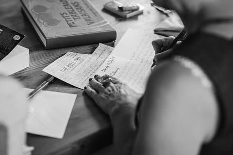 hands-writting-2110452_640
