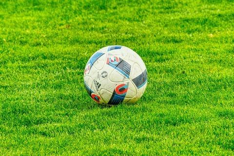 football-2778583_640