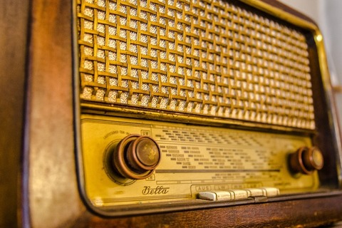 radio-2704963_640