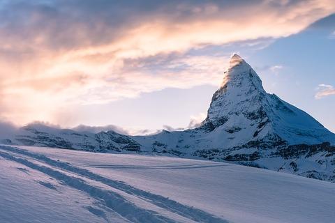 mountain-731312_640