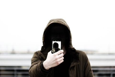 selfie-1209886_640