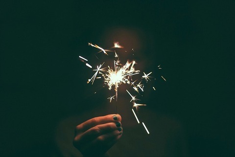 sparkler-1246521_640