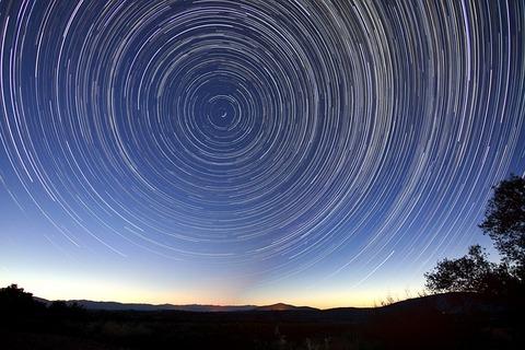 star-trails-828656_640