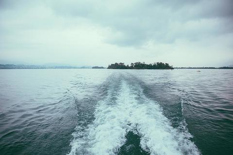 boating-984156_640