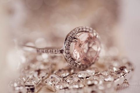 diamond-2594307_640